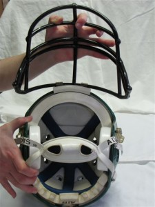 Football_helmet_and_face_mask